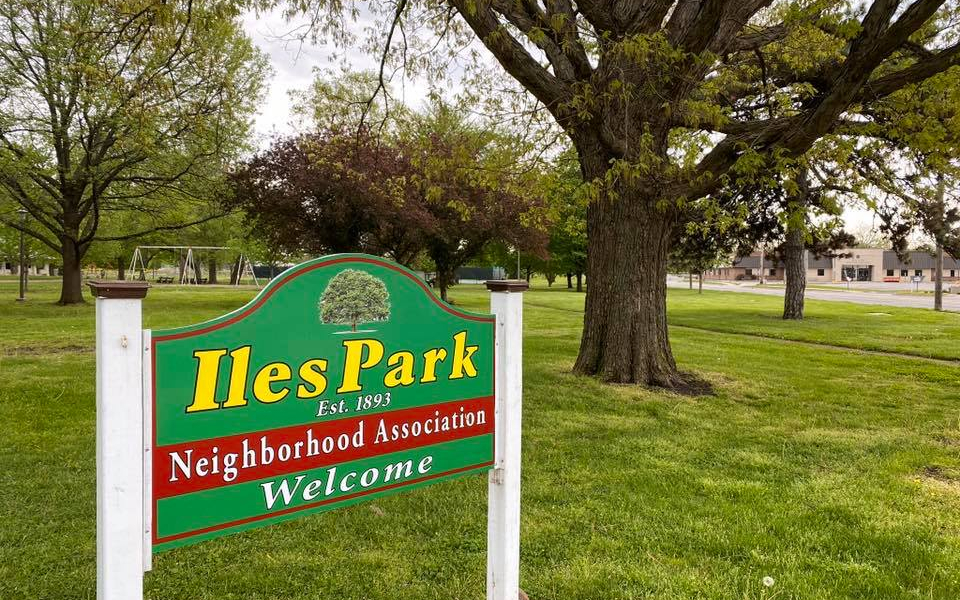 New sign for the Iles Park Neighborhood Association in Iles Park!