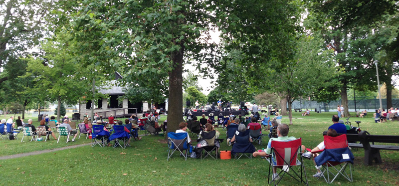 Music in Iles Park July 23, 2017